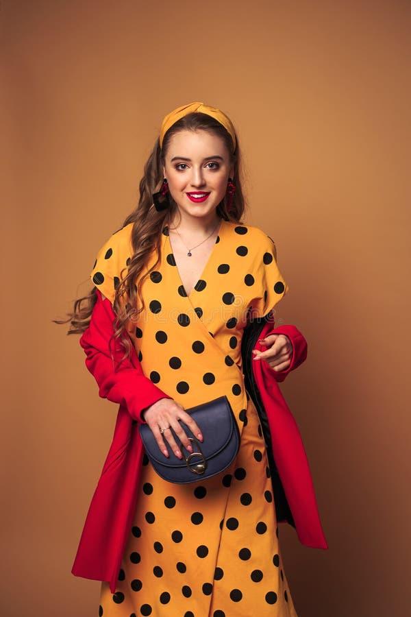 Πορτρέτο γυναικών, μόδα χρώματος στοκ εικόνες με δικαίωμα ελεύθερης χρήσης