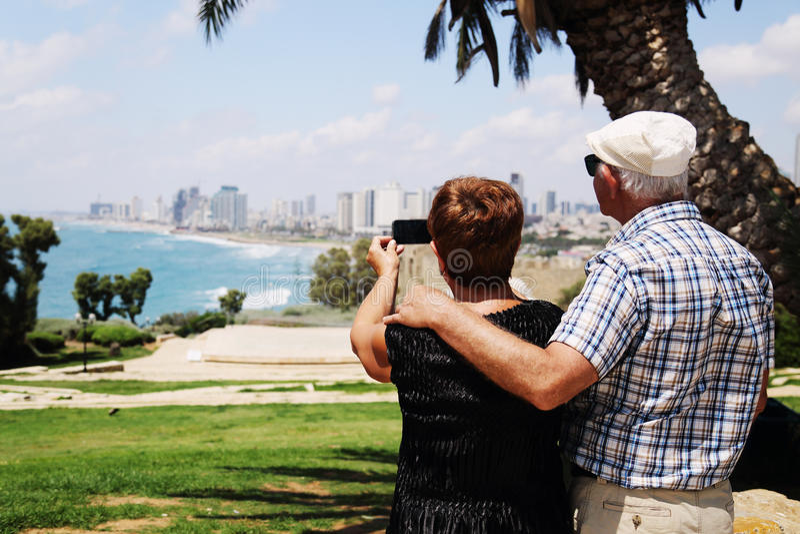 Πορτρέτο δύο 70 χρονών ανώτερων ανθρώπων στοκ εικόνες