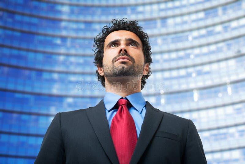 Πορτρέτο ενός επιχειρηματία υπαίθριου στοκ φωτογραφία
