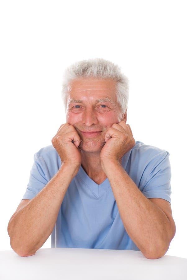 Πορτρέτο ενός ευτυχούς ανώτερου ατόμου στοκ εικόνα