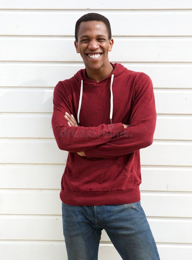 Πορτρέτο ενός εύθυμου χαμόγελου μαύρων στοκ εικόνα με δικαίωμα ελεύθερης χρήσης