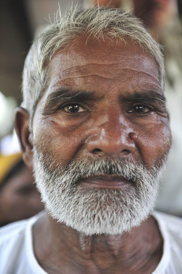 Πορτρέτο ενός ηληκιωμένου από Amritsar που ταξιδεύει στα σύνορα με το Πακιστάν στοκ φωτογραφία με δικαίωμα ελεύθερης χρήσης