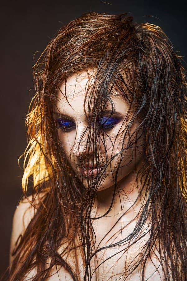 Πορτρέτο ενός κοριτσιού με ένα υγρό makeup στοκ φωτογραφίες με δικαίωμα ελεύθερης χρήσης