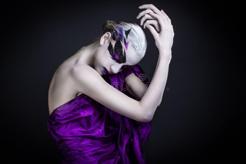 Πορτρέτο ενός κοριτσιού με τη δημιουργική σύνθεση στοκ φωτογραφίες