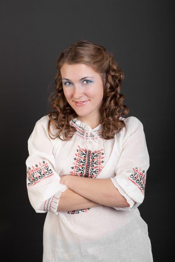 Πορτρέτο ενός κοριτσιού στο πουκάμισο στοκ εικόνα με δικαίωμα ελεύθερης χρήσης