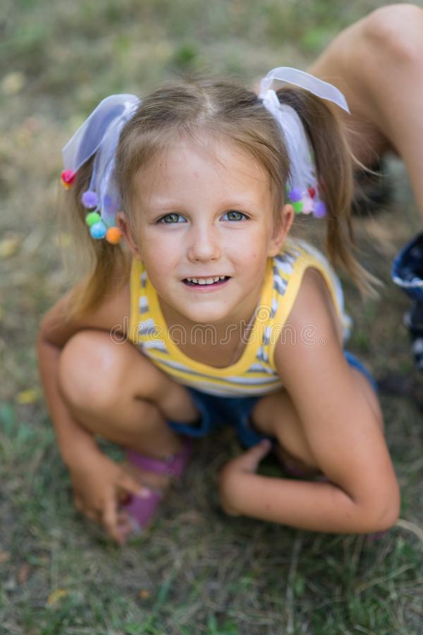 Πορτρέτο ενός κοριτσιού τετράχρονων παιδιών στοκ εικόνες με δικαίωμα ελεύθερης χρήσης