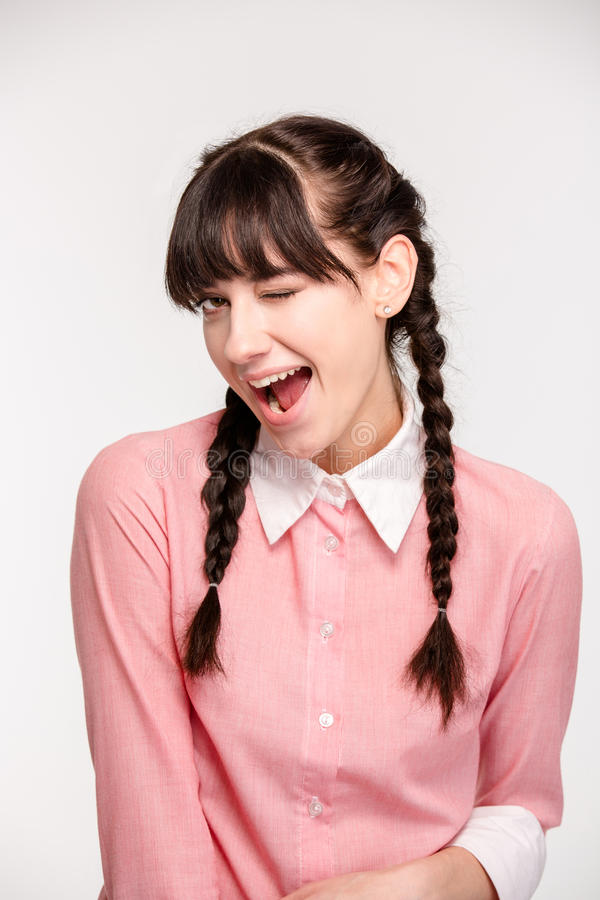 Download Πορτρέτο ενός νέου κλεισίματος του ματιού γυναικών Στοκ Εικόνα - εικόνα από κορίτσι, φρέσκος: 62720159