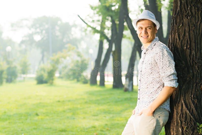Πορτρέτο ενός νεαρού άνδρα στοκ εικόνες με δικαίωμα ελεύθερης χρήσης