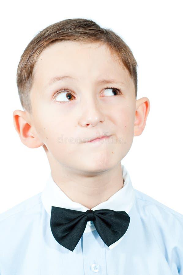Πορτρέτο ενός στοχαστικού νέου αγοριού στοκ εικόνες