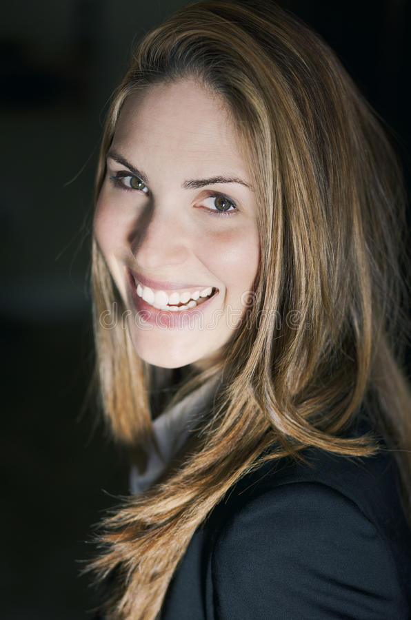 Πορτρέτο ενός χαμόγελου επιχειρηματιών στοκ φωτογραφία με δικαίωμα ελεύθερης χρήσης
