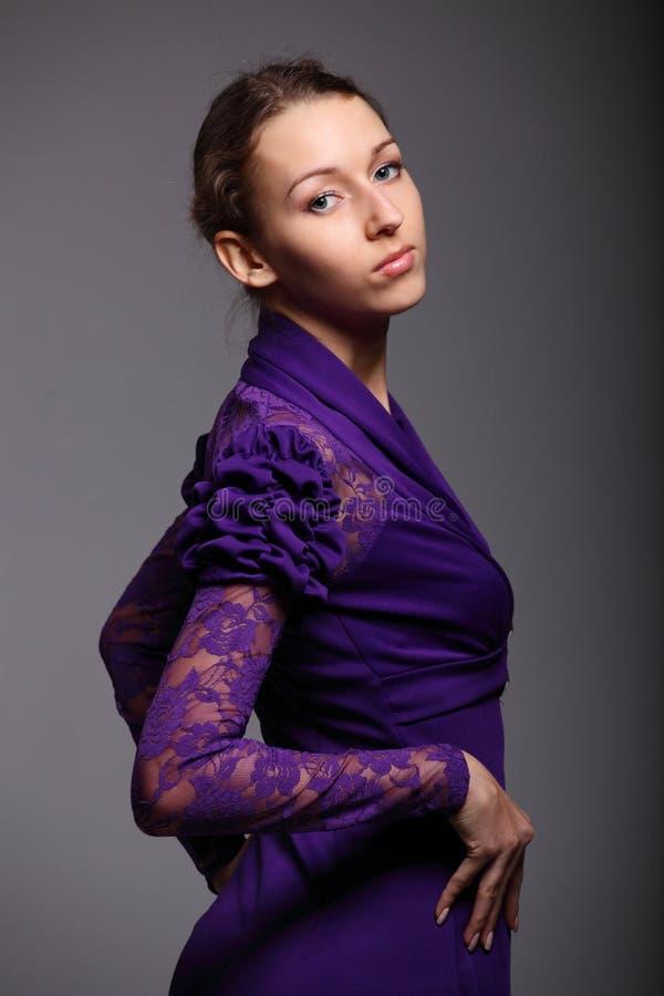 Πορτρέτο ενός όμορφου κοριτσιού στοκ φωτογραφία με δικαίωμα ελεύθερης χρήσης