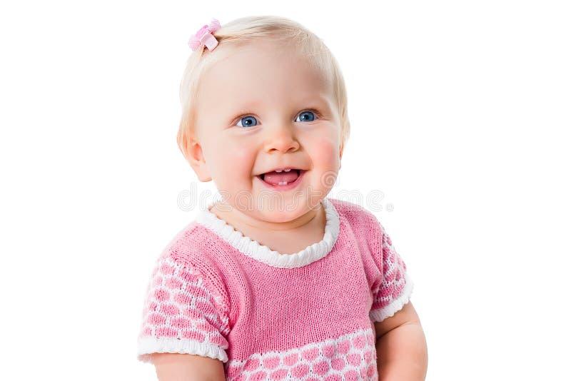 Πορτρέτο κινηματογραφήσεων σε πρώτο πλάνο του χαμογελώντας κοριτσιού νηπίων που απομονώνεται στοκ εικόνες με δικαίωμα ελεύθερης χρήσης