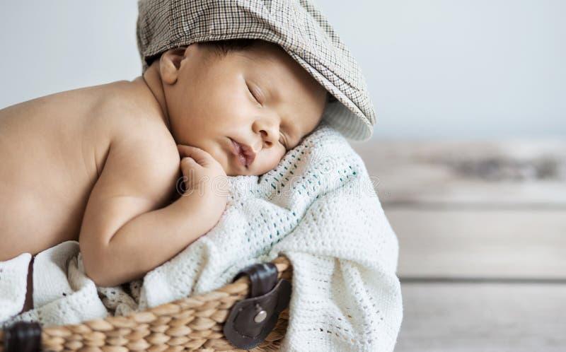 Πορτρέτο κινηματογραφήσεων σε πρώτο πλάνο ενός μωρού ύπνου στοκ φωτογραφίες