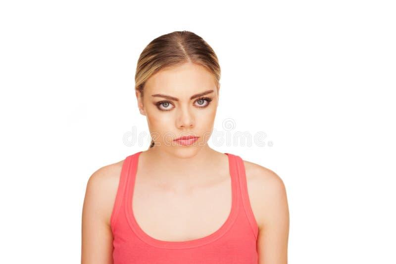 Πορτρέτο μιας ενοχλημένης γυναίκας στο άσπρο υπόβαθρο στοκ φωτογραφίες με δικαίωμα ελεύθερης χρήσης