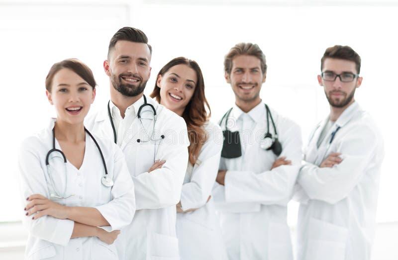 Πορτρέτο μιας επιτυχούς ομάδας οικότροφων γιατρών στοκ φωτογραφίες