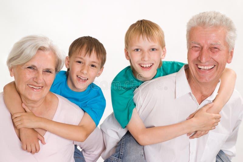 Πορτρέτο μιας ευτυχούς οικογένειας στοκ φωτογραφία με δικαίωμα ελεύθερης χρήσης