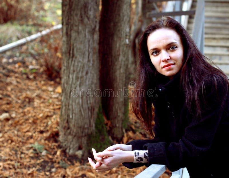 Πορτρέτο μιας νέας γυναίκας στοκ φωτογραφίες με δικαίωμα ελεύθερης χρήσης