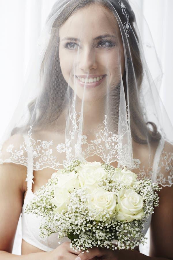 Πορτρέτο μιας νέας νύφης στοκ φωτογραφία με δικαίωμα ελεύθερης χρήσης