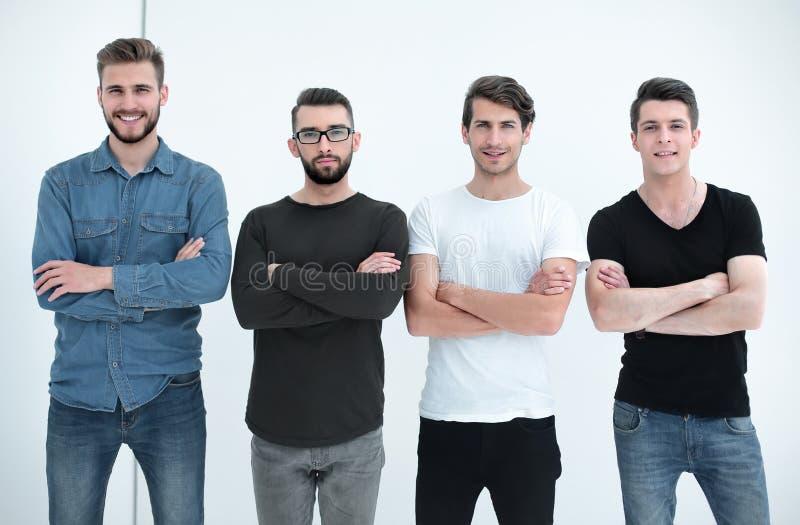 Πορτρέτο μιας ομάδας σύγχρονων νεαρών άνδρων στοκ φωτογραφίες