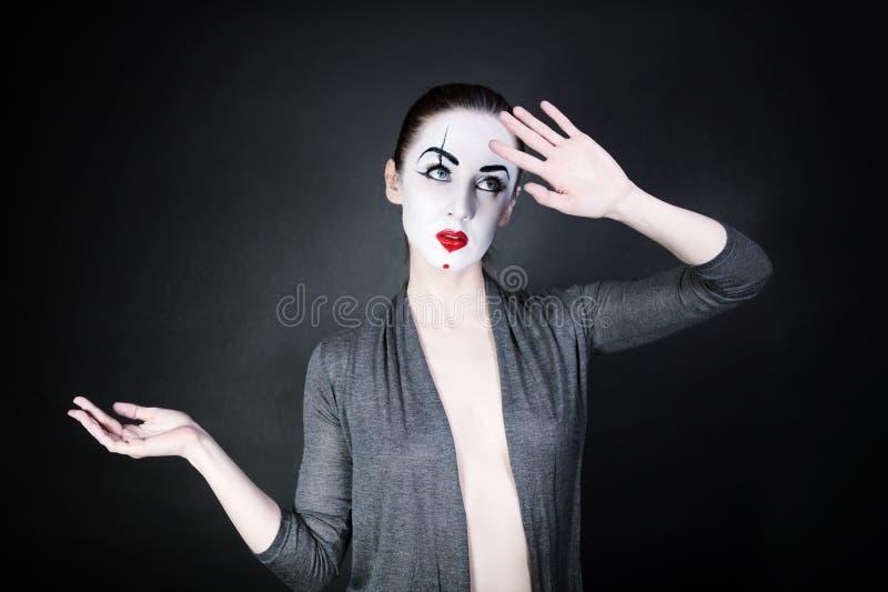 Πορτρέτο μιας χορεύοντας γυναίκας mime στοκ φωτογραφία με δικαίωμα ελεύθερης χρήσης