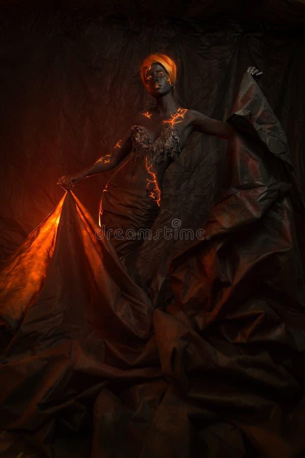 Πορτρέτο μιας όμορφης γυναίκας με τη ζωγραφική σωμάτων στοκ εικόνες με δικαίωμα ελεύθερης χρήσης