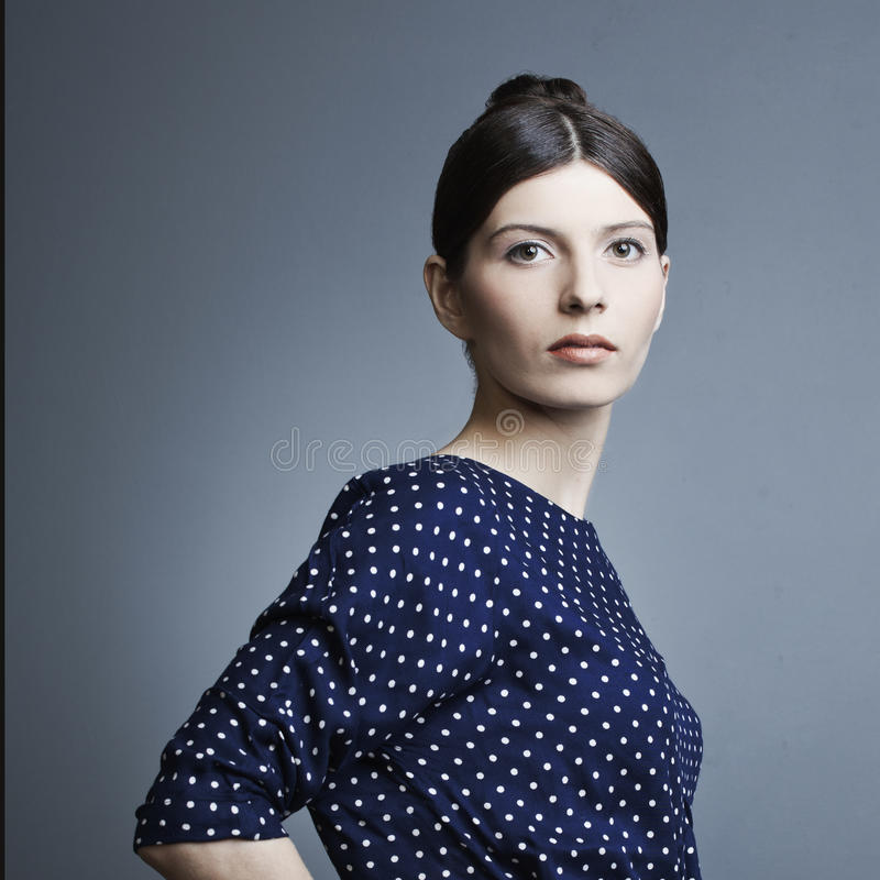 Πορτρέτο μιας όμορφης γυναίκας στοκ φωτογραφία με δικαίωμα ελεύθερης χρήσης