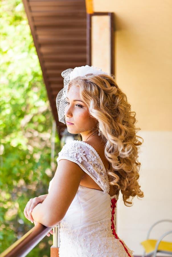 Πορτρέτο μιας όμορφης ξανθής νύφης στοκ φωτογραφία με δικαίωμα ελεύθερης χρήσης
