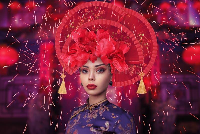 Πορτρέτο μόδας της κινεζικής γυναίκας ύφους στοκ φωτογραφίες με δικαίωμα ελεύθερης χρήσης