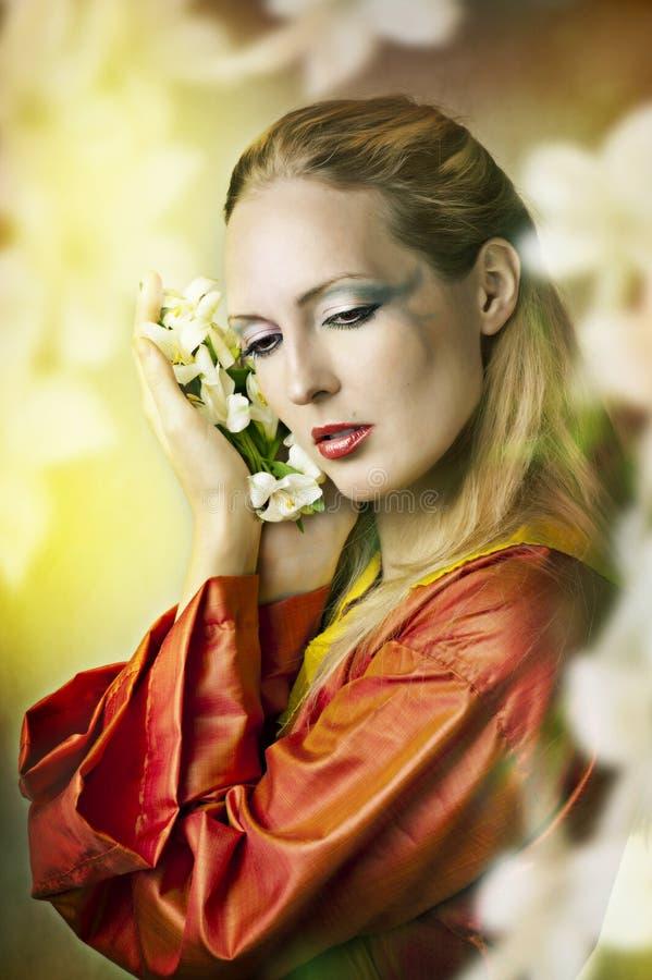 Πορτρέτο παραμυθιού μόδας της όμορφης γυναίκας στοκ φωτογραφία