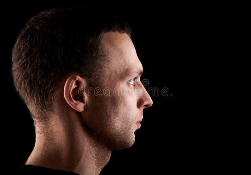 Πορτρέτο σχεδιαγράμματος του νέου καυκάσιου ατόμου στοκ φωτογραφίες με δικαίωμα ελεύθερης χρήσης