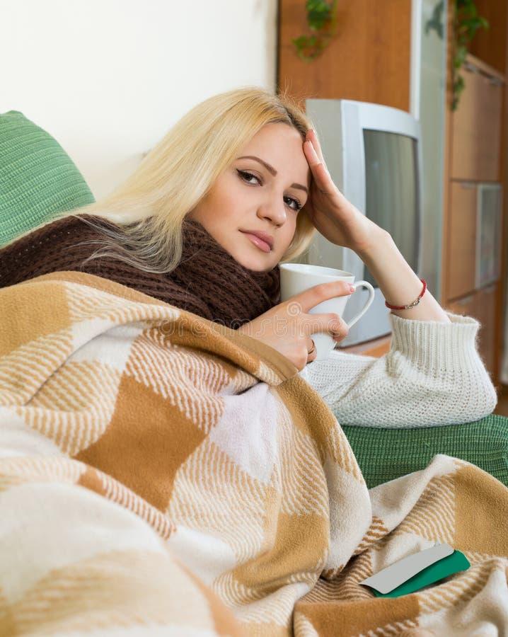 Πορτρέτο της άρρωστης γυναίκας στοκ φωτογραφίες με δικαίωμα ελεύθερης χρήσης