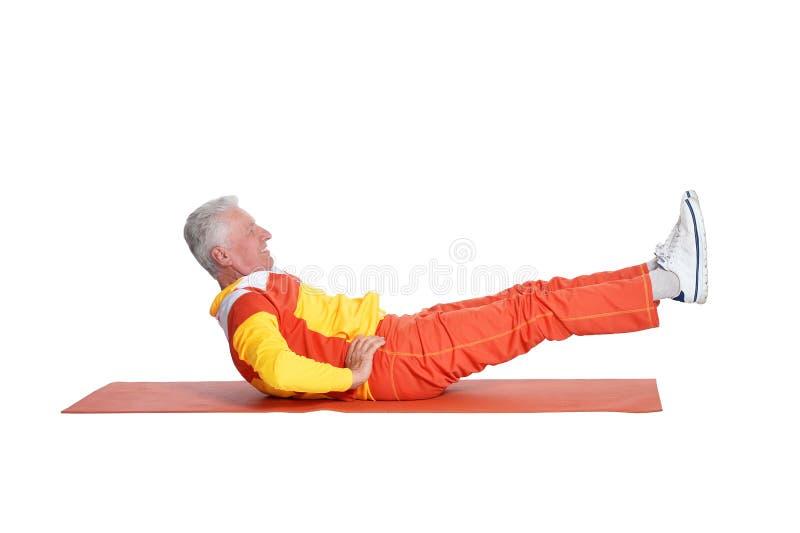 Πορτρέτο της ανώτερης άσκησης ατόμων που απομονώνεται στο άσπρο υπόβαθρο στοκ εικόνα με δικαίωμα ελεύθερης χρήσης
