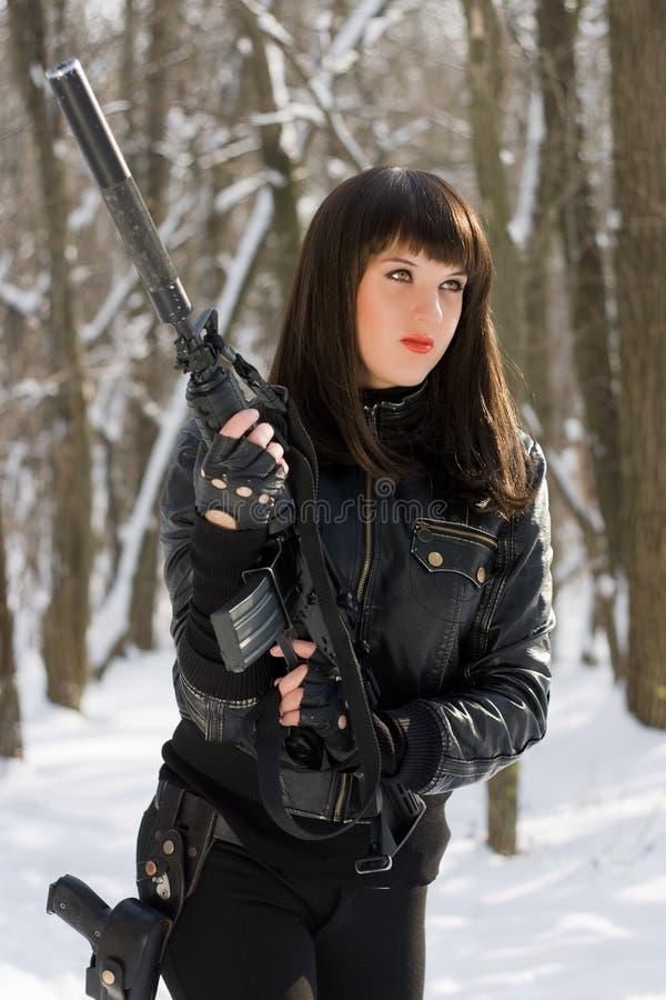 Πορτρέτο της επικίνδυνης νέας κυρίας στοκ φωτογραφία