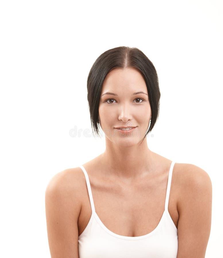 Πορτρέτο της ευτυχούς ελκυστικής γυναίκας στοκ εικόνες