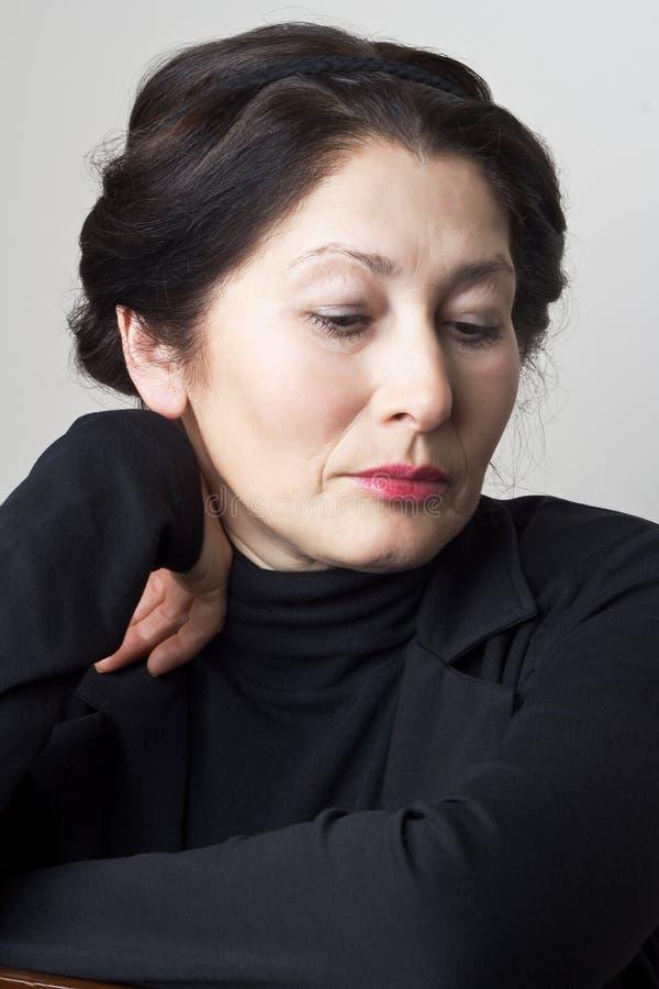 Πορτρέτο της ελκυστικής ασιατικής εμφάνισης γυναικών στοκ εικόνα