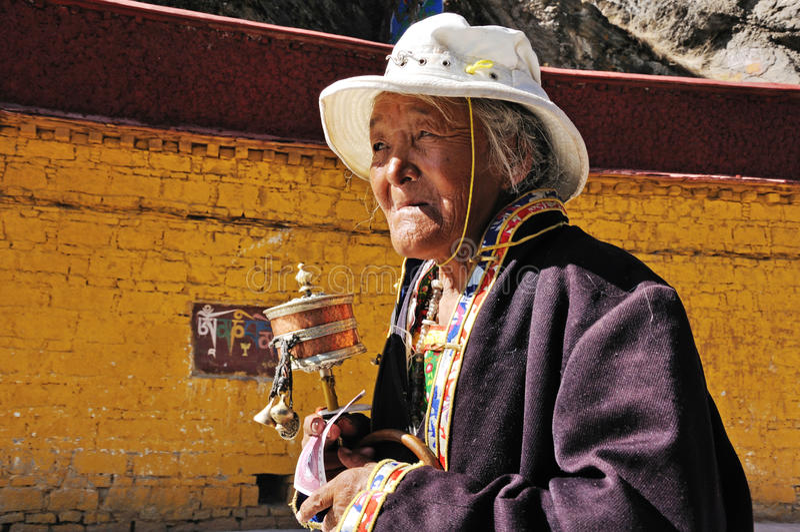 Πορτρέτο της θιβετιανής γυναίκας στοκ φωτογραφία με δικαίωμα ελεύθερης χρήσης