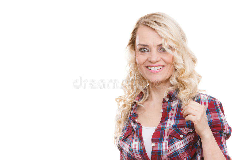 Πορτρέτο της μέσης ηλικίας ξανθής γυναίκας στοκ φωτογραφία