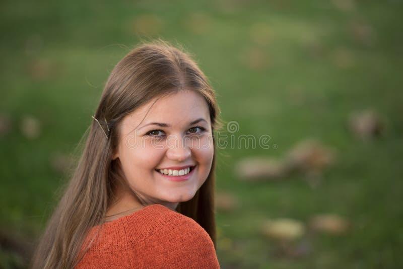 Πορτρέτο της νέας γυναίκας στοκ φωτογραφία