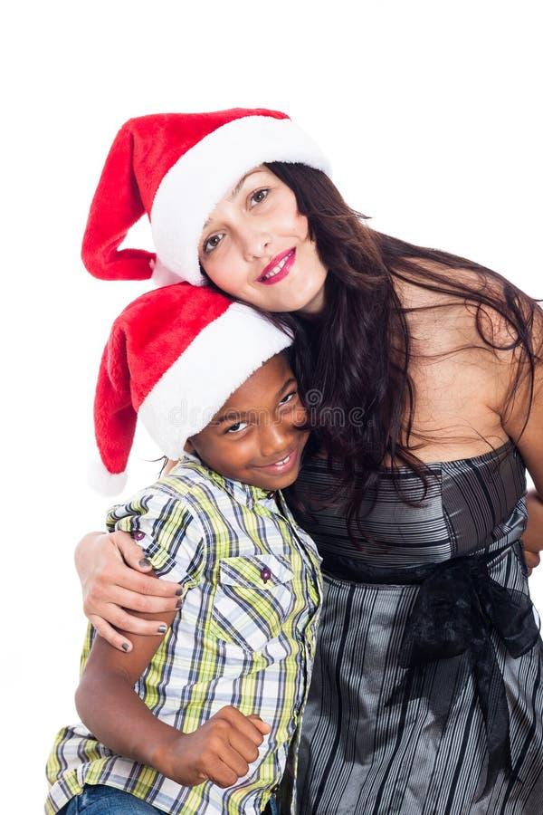 Πορτρέτο της χαμογελώντας οικογένειας Χριστουγέννων στοκ εικόνες
