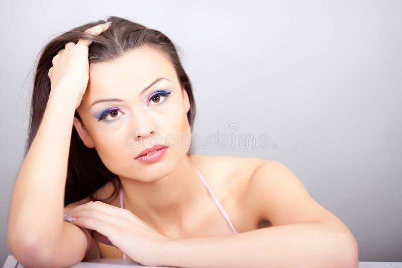 Download Πορτρέτο της όμορφης γυναίκας Στοκ Εικόνα - εικόνα από κλείστε, μοιχαλίδα: 17057261