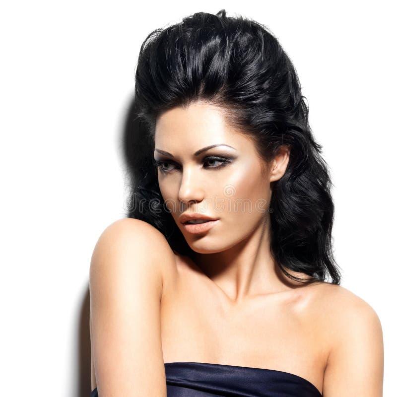 Πορτρέτο της όμορφης γυναίκας brunette στοκ φωτογραφίες με δικαίωμα ελεύθερης χρήσης