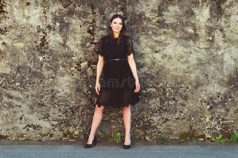 Πορτρέτο της όμορφης γυναίκας brunette στοκ εικόνες