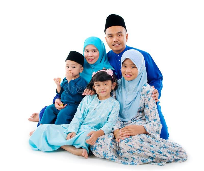 Μουσουλμανική οικογένεια στοκ φωτογραφία με δικαίωμα ελεύθερης χρήσης