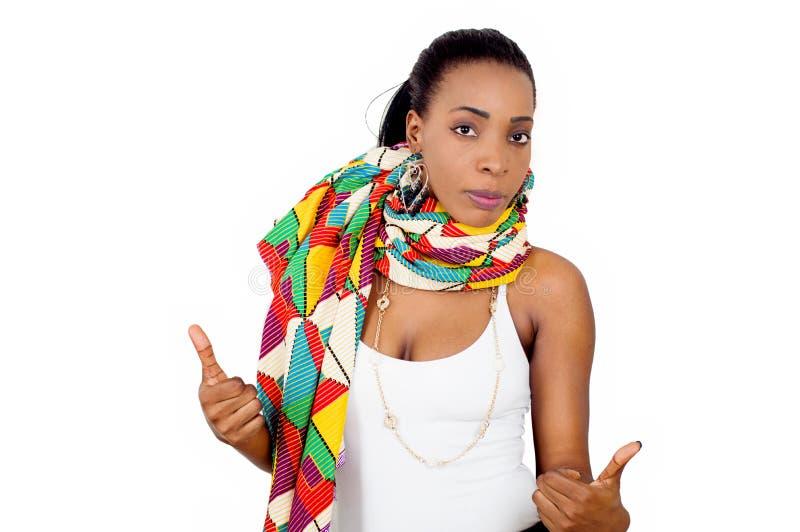 Πορτρέτο της όμορφης νέας αφρικανικής γυναίκας στοκ φωτογραφία