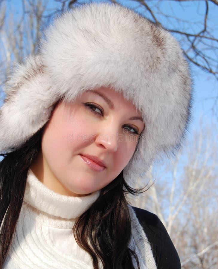 Πορτρέτο της όμορφης νέας γυναίκας στοκ εικόνα