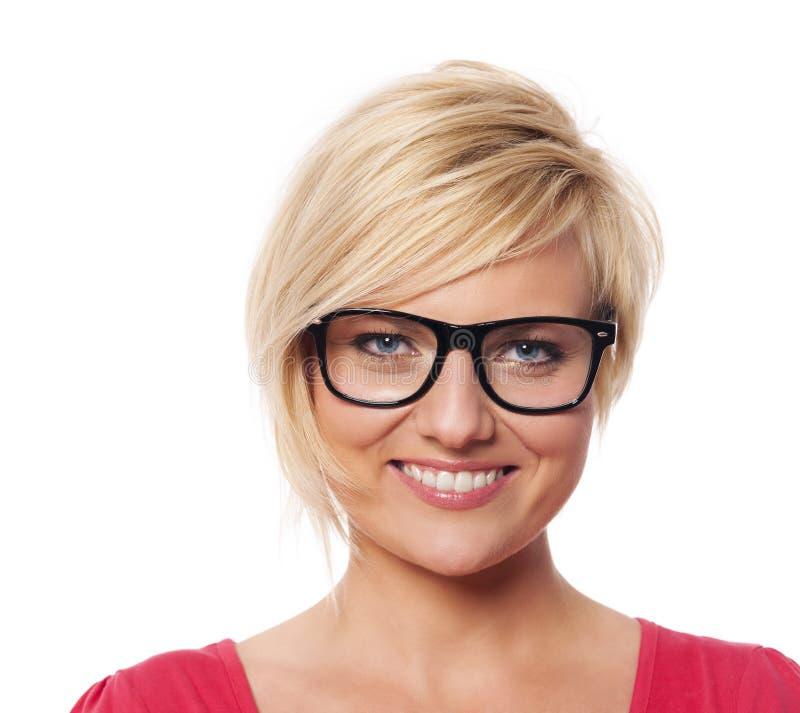 Πορτρέτο της όμορφης ξανθής γυναίκας στοκ φωτογραφίες με δικαίωμα ελεύθερης χρήσης