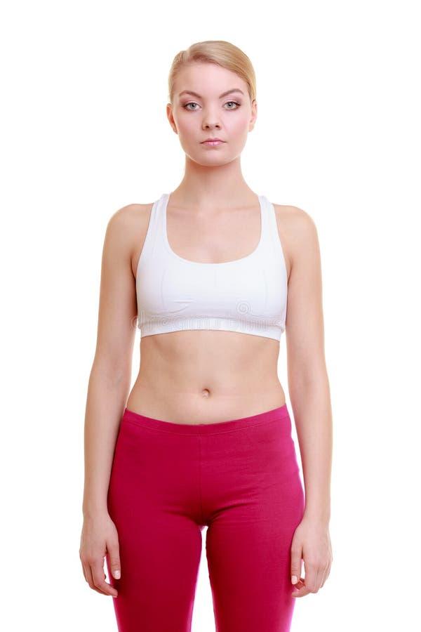 Πορτρέτο του αθλητικού κοριτσιού γυναικών ικανότητας σε sportwear που απομονώνεται στο λευκό στοκ εικόνες με δικαίωμα ελεύθερης χρήσης