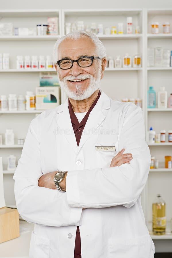 Πορτρέτο του αρσενικού φαρμακοποιού στοκ εικόνες με δικαίωμα ελεύθερης χρήσης