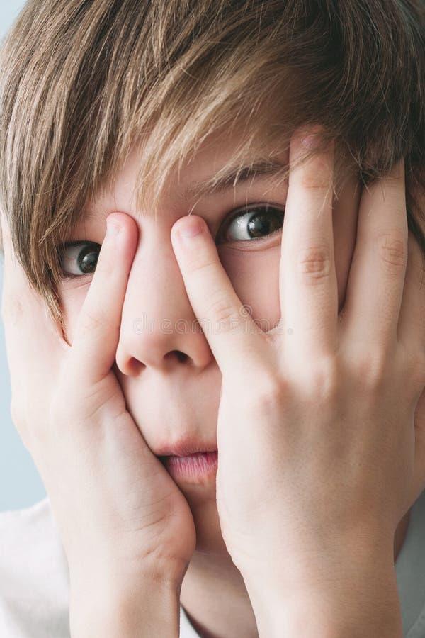 Πορτρέτο του εκφοβισμένου αγοριού στοκ φωτογραφία με δικαίωμα ελεύθερης χρήσης