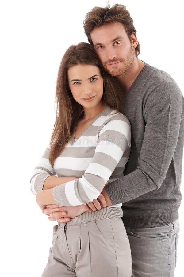 Πορτρέτο του ελκυστικού χαμόγελου ζευγών αγάπης στοκ φωτογραφία